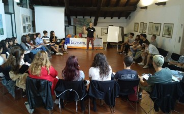 30 neodiplomati in partenza con TASTE IT